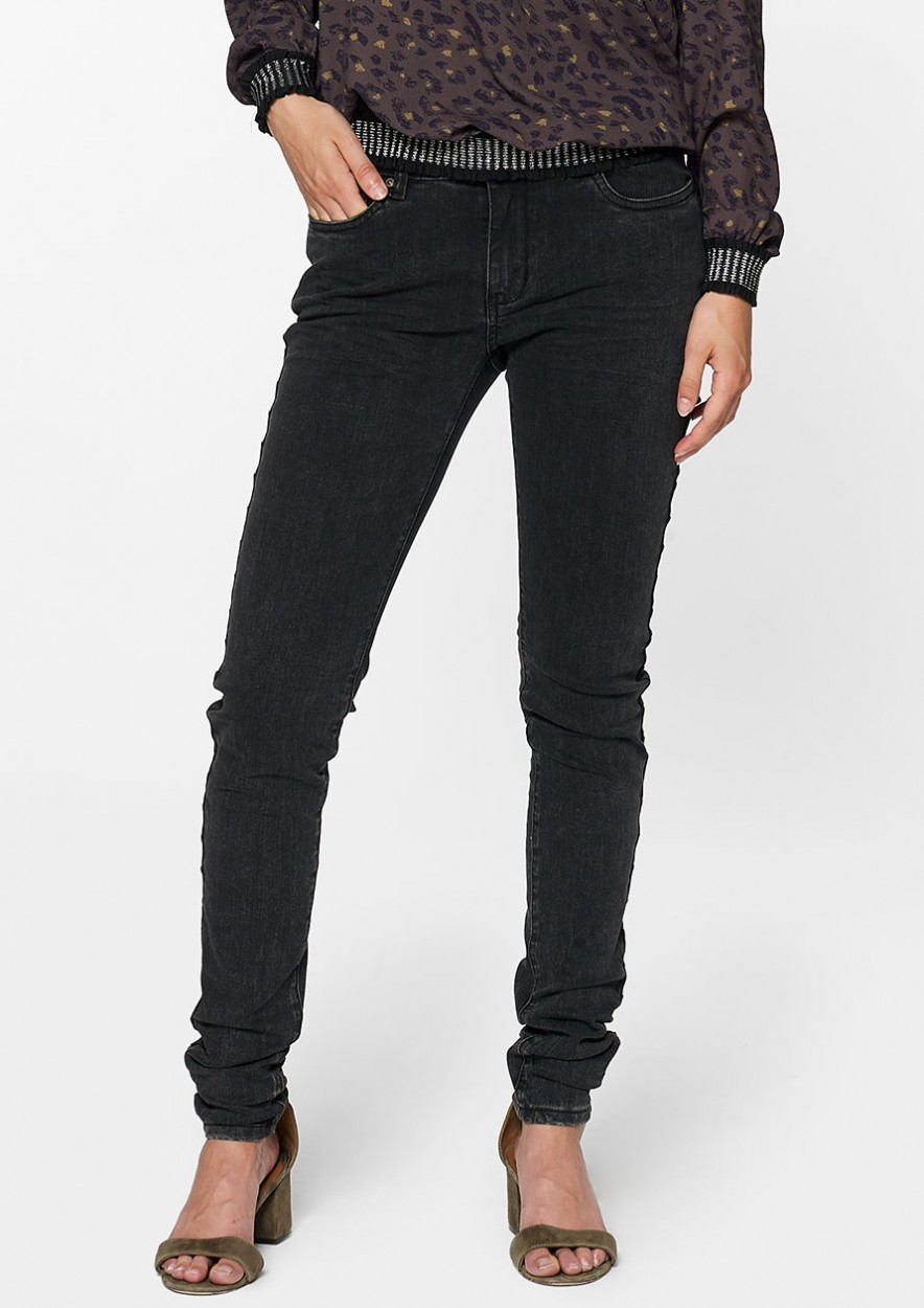 Bobby Ankle Denim Gun Black Wash