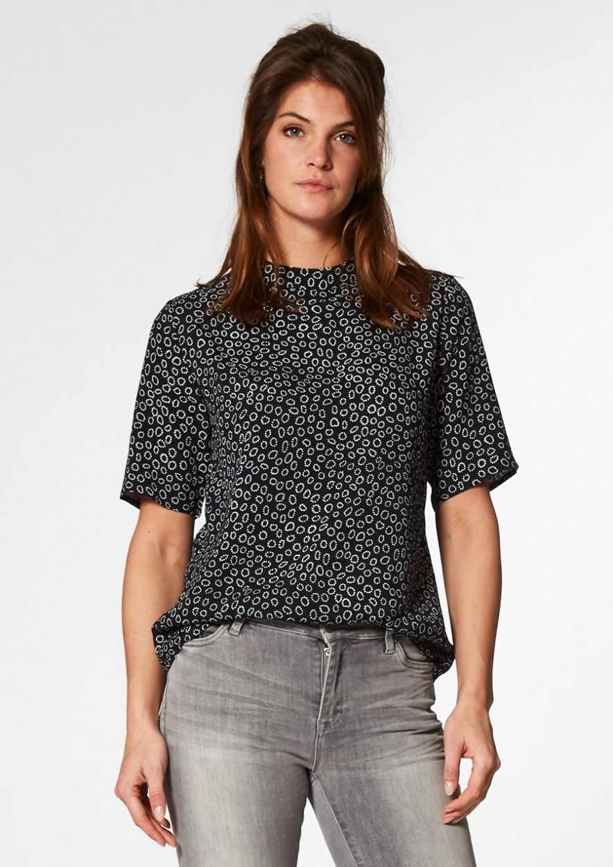 Dolly Zwarte Top met Witte Stippenprint